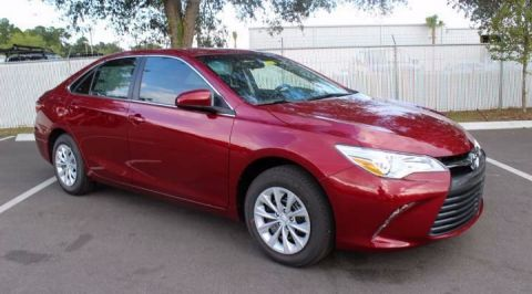 New 2017 Toyota Camry LE