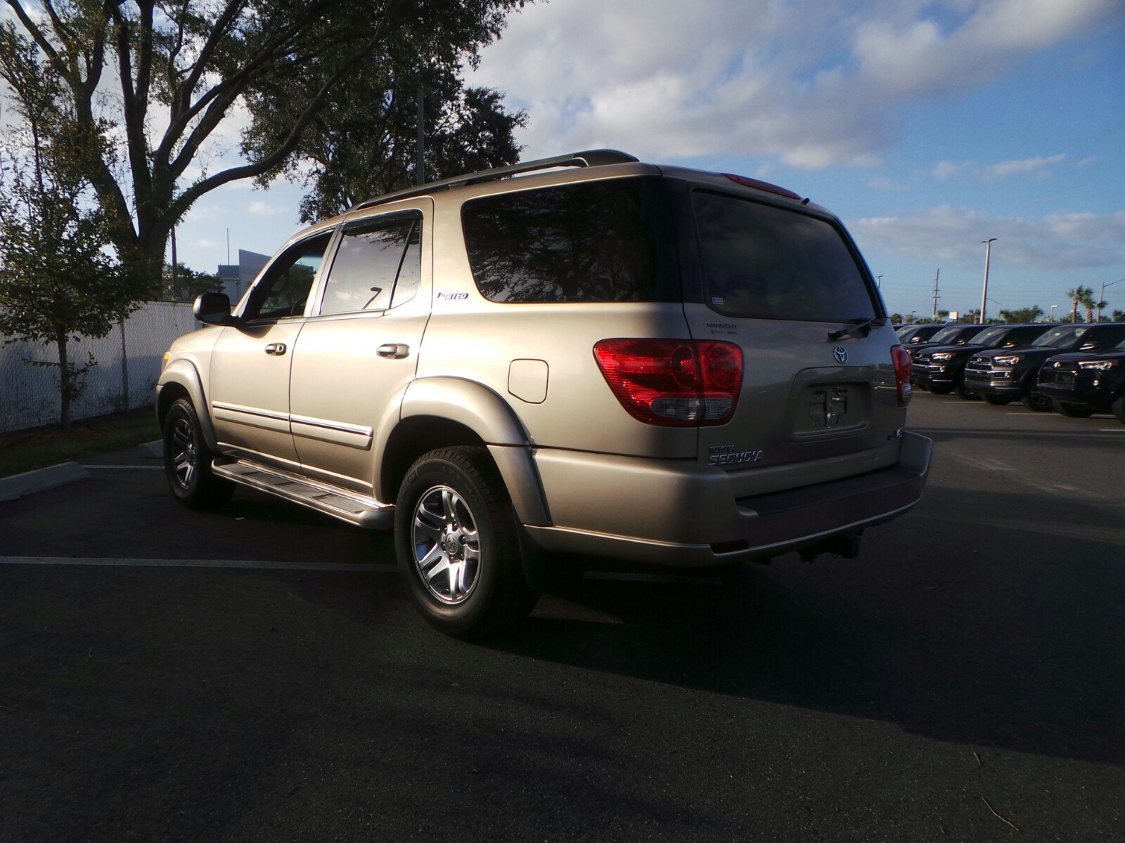 Pre owned 2006 toyota sequoia limited